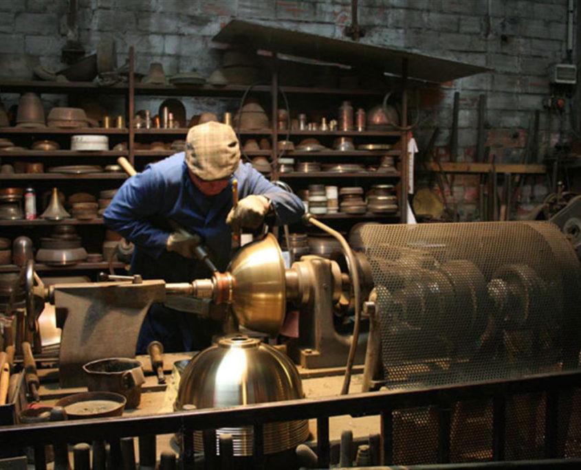 L'atelier du cuivre de Villedieu-les-Pôeles