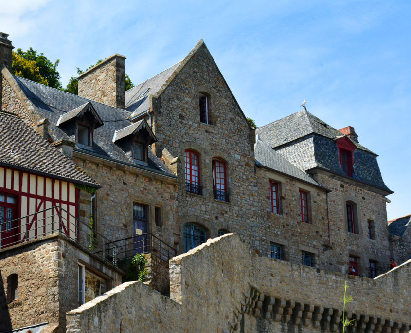Maison en pierre à l'intérieur du Mont-Saint-Michel
