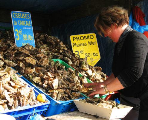Le marché aux huîtres de Cancale