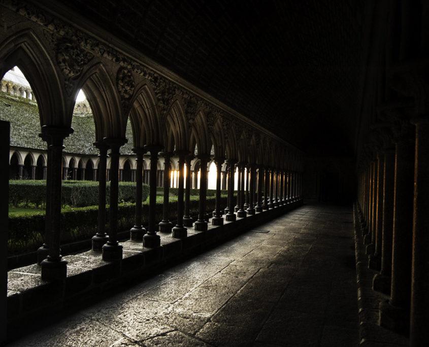 La cour intérieure de l'Abbaye du Mont-Saint-Michel