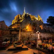 Le Mont-Saint-Michel éclairé pour Noël