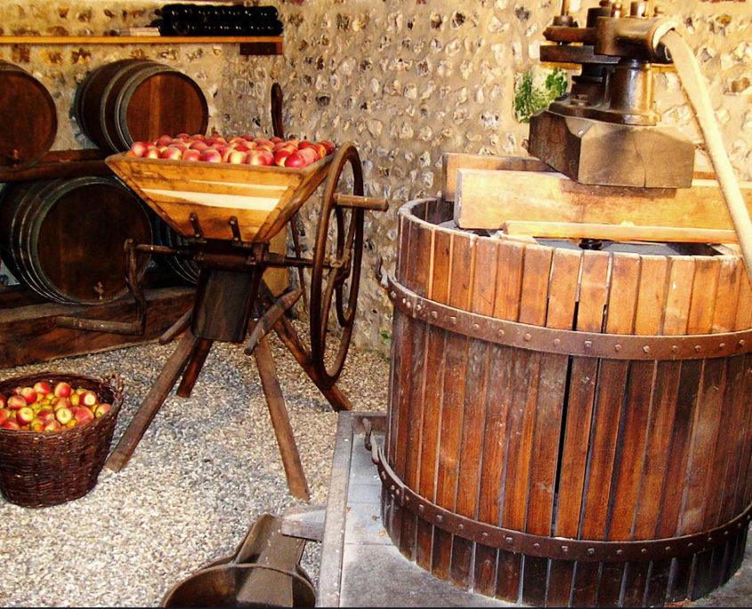 Pressoir et cidre normand