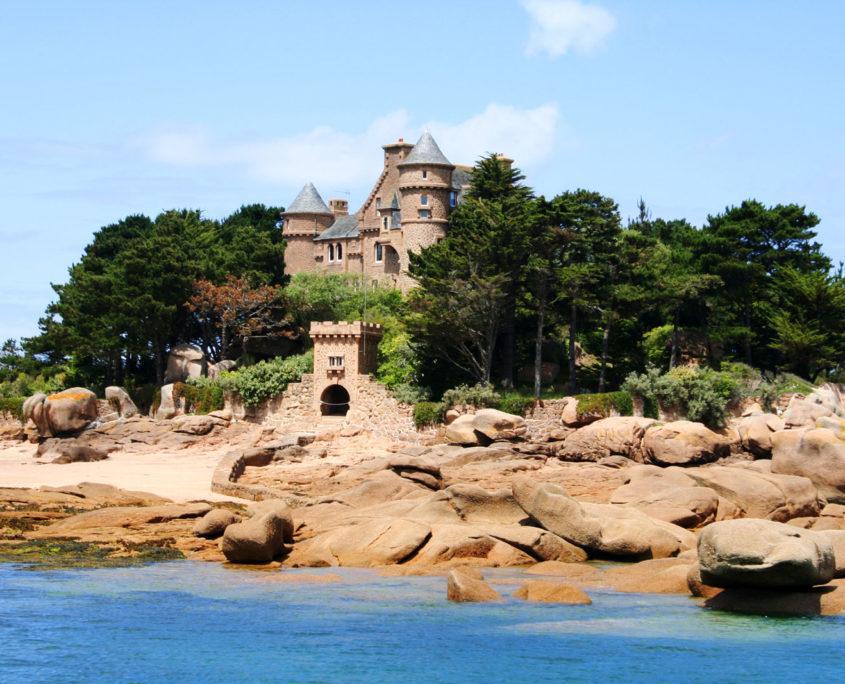 Le Château et l'île de Costaérès à Perros-Guirec