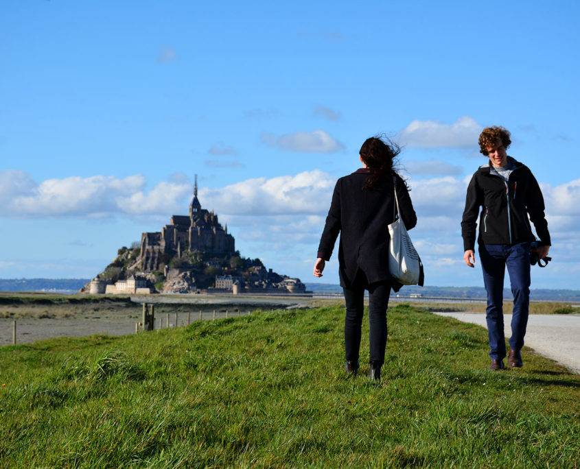 Balade en couple au Mont-Saint-Michel