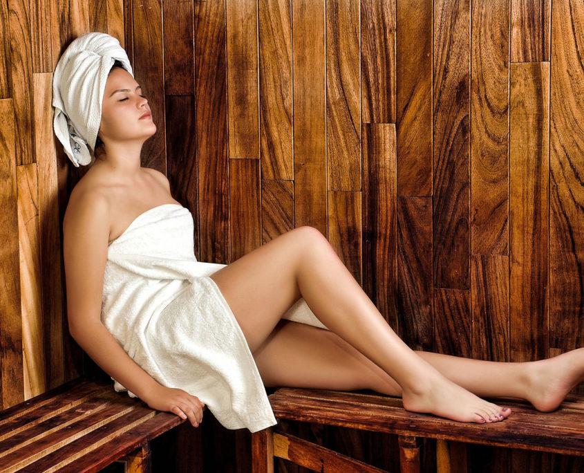 Relaxation dans un sauna