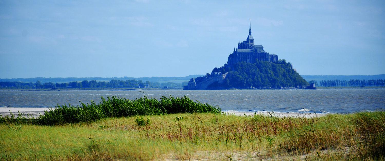 Vue sur le Mont-Saint-Michel authentique et sauvage
