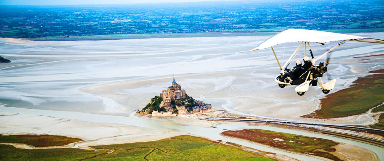 Survol du Mont-Saint-Michel en ULM