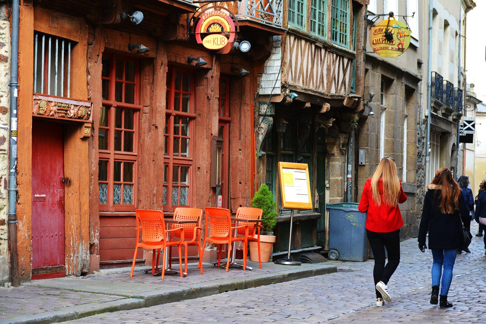 Balade dans le vieux Rennes, avec ses bars et restaurants
