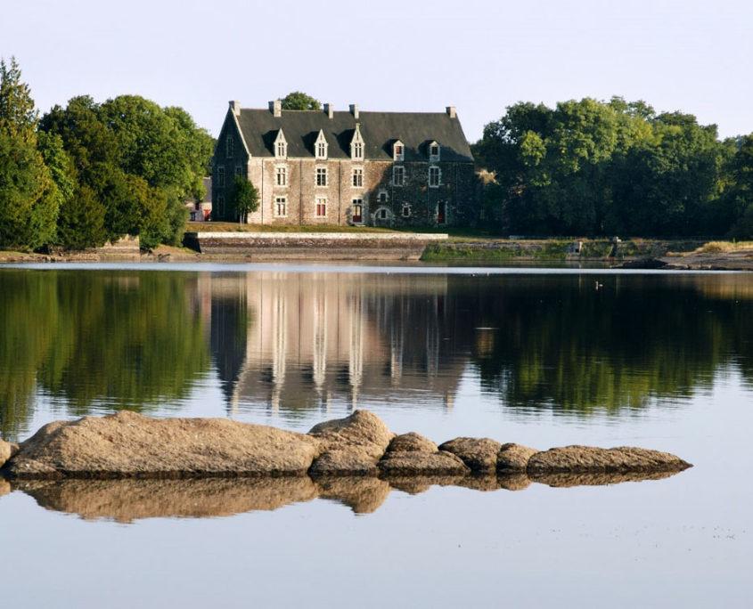 Le château de Comper, Centre de l'Imaginaire Arthurien