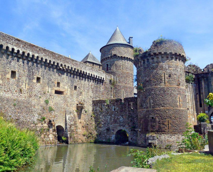 Le Château de Fougères et ses douves