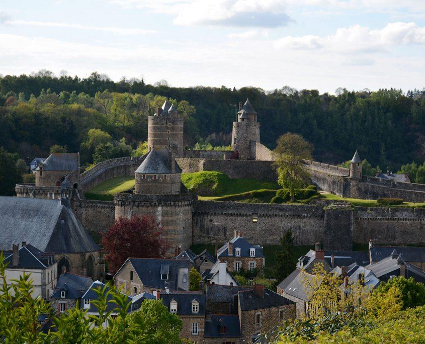 Le château de Fougères, plus grande forteresse d'Europe